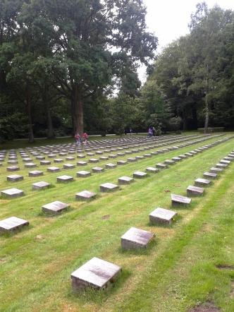 08.Cimitero Militare Italiano Amburgo 22.7.2015 (2)