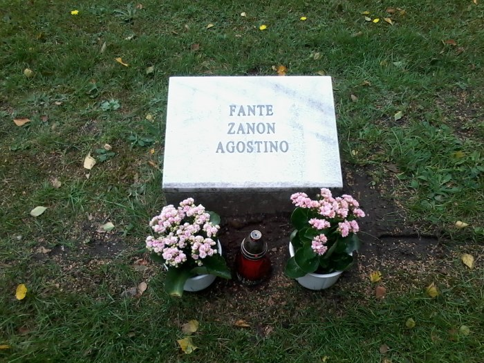 A14 Tomba cimitero di Ojendorf Amburgo